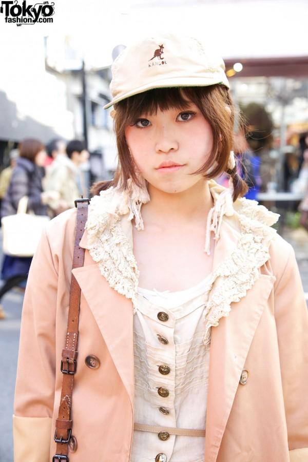 Lace collar, peach coat & Kangol hat