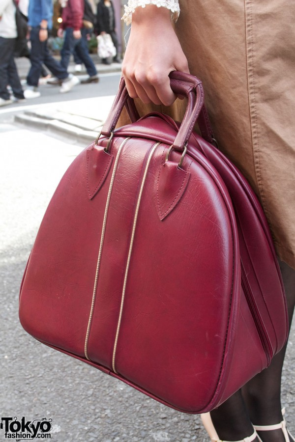Burgundy leather bag in Harajuku