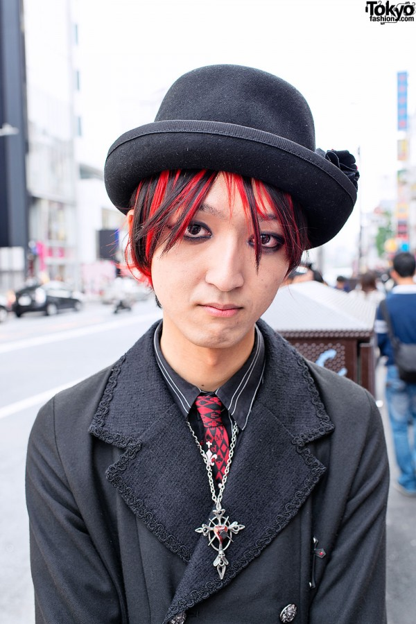 Gothic Guy's Red Hair & Hat in Harajuku