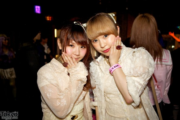 Tokyo Fashion Party Snaps at Heavy Pop (50)