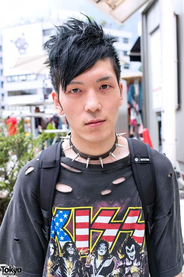 Kiss T-shirt & Spike Collar in Harajuku