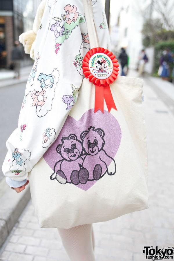 Nadia tote bag & Disney badge