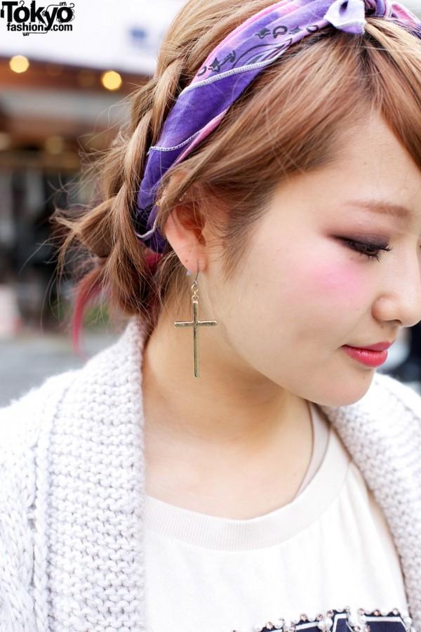 Silver cross earring & blue headband