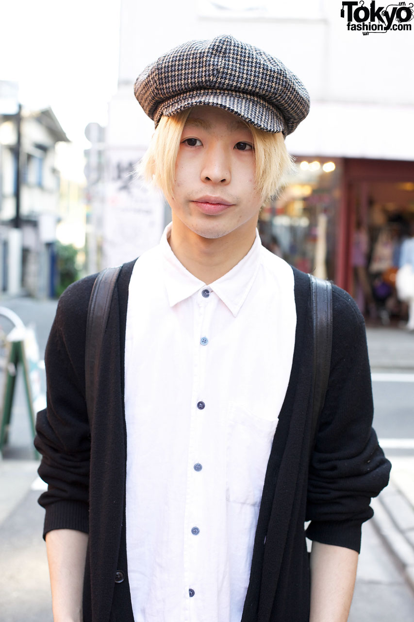 White shirt & Uniqlo sweater in Harajuku – Tokyo Fashion News