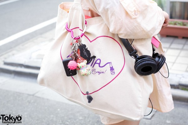Nadia bag decorated with small toys