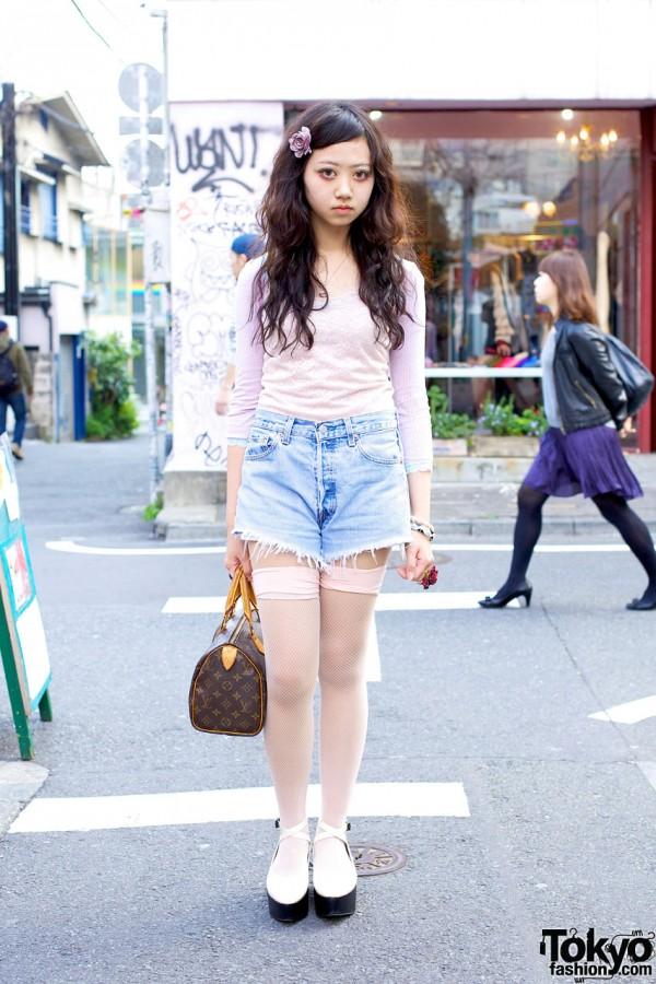 Mayupu's Cutoff Shorts & Emoda Platform Shoes in Harajuku