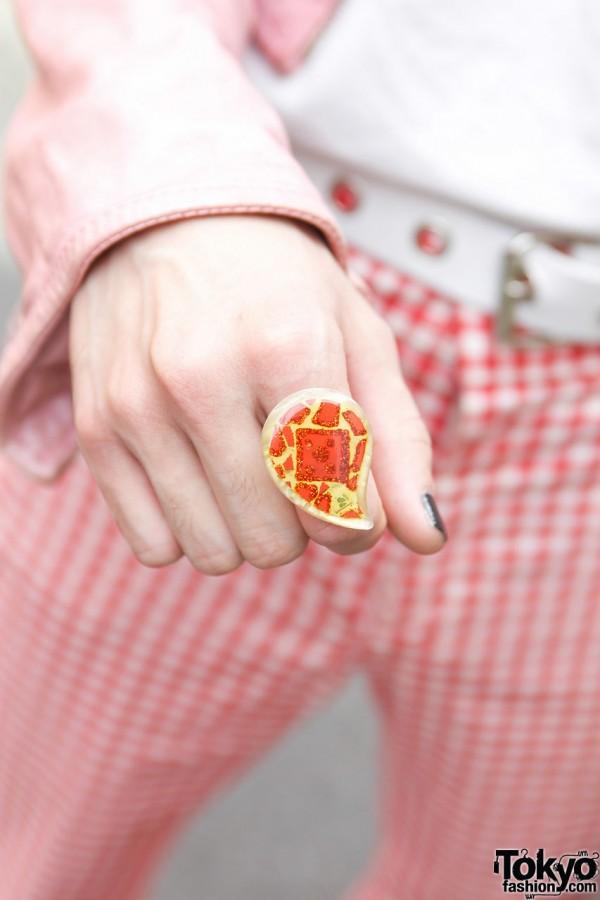 Paisley plastic ring in Harajuku