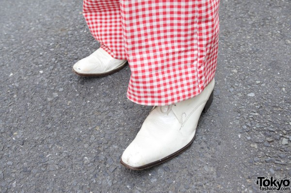Gingham pants & white shoes