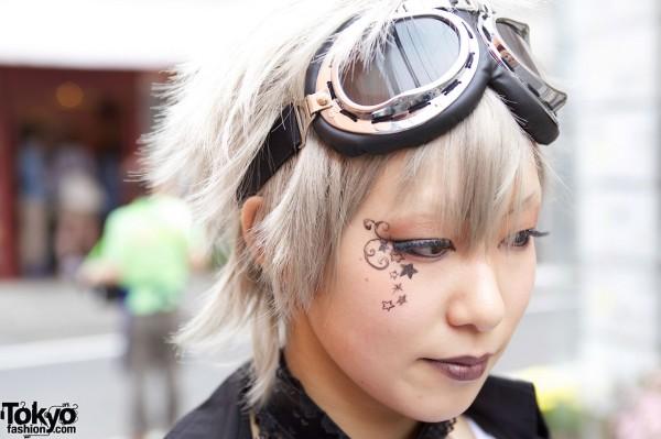 Gothic Eye Makeup & Goggles in Harajuku