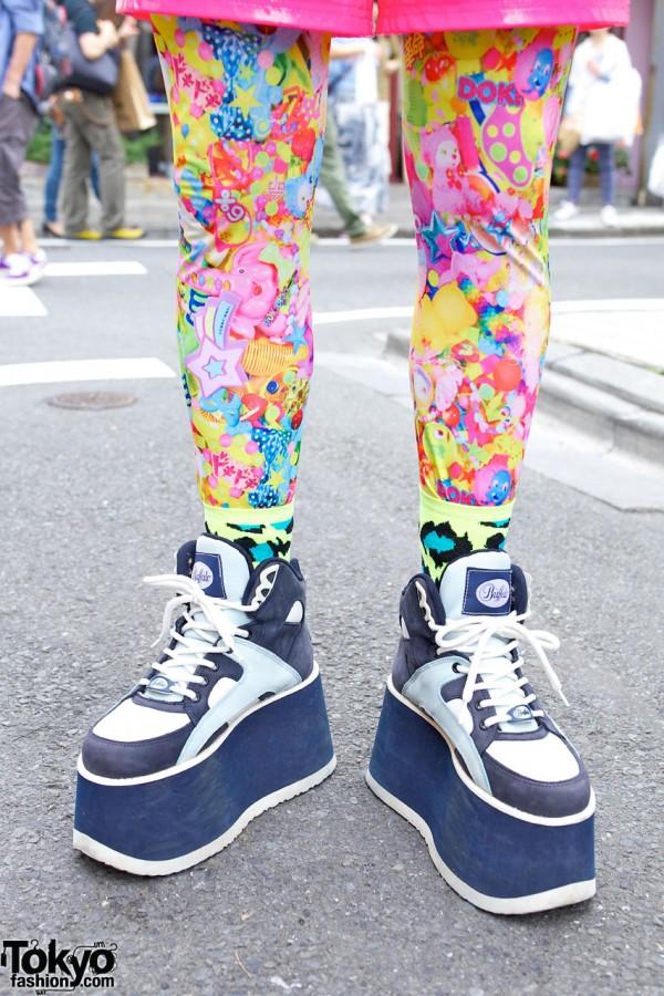 Buffalo Platform Sneakers & 6%DOKIDOKI Leggings