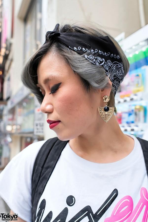 Cute Short Hairstyle & Bandana Headband