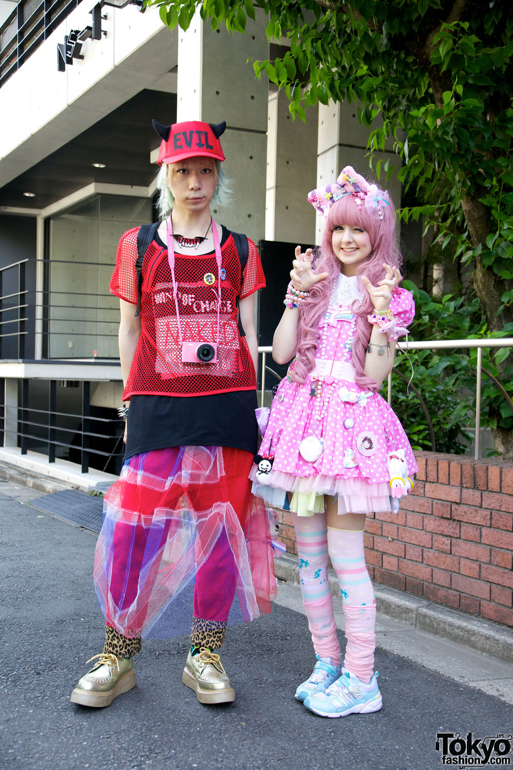 http://tokyofashion.com/wp-content/uploads/2012/06/Harajuku-Fashion-Walk-Street-Snaps-10-2012-001.jpg
