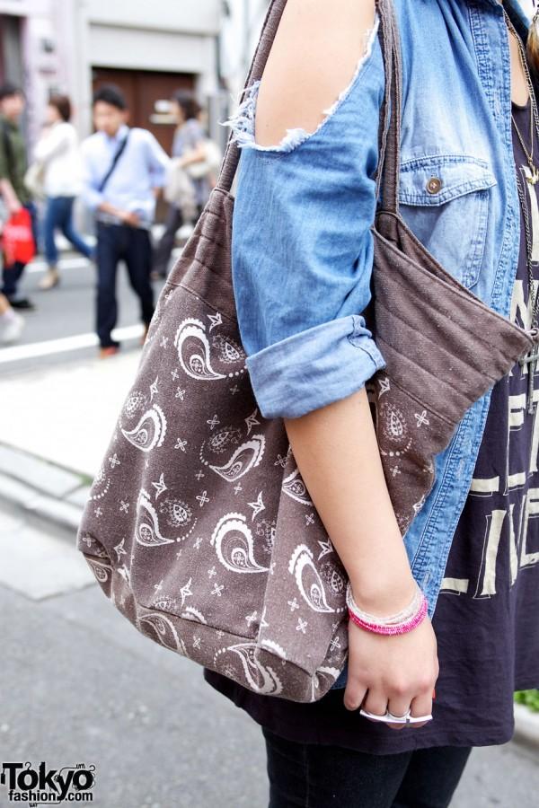 Fabric bag w/ paisley print in Harajuku