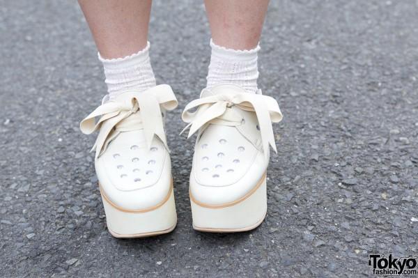 Tokyo Bopper rocking horse shoes w/ ribbons