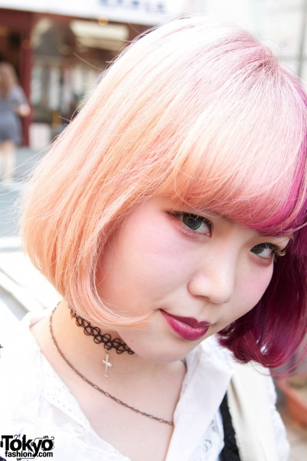 Blonde hair & tattoo necklace in Harajuku