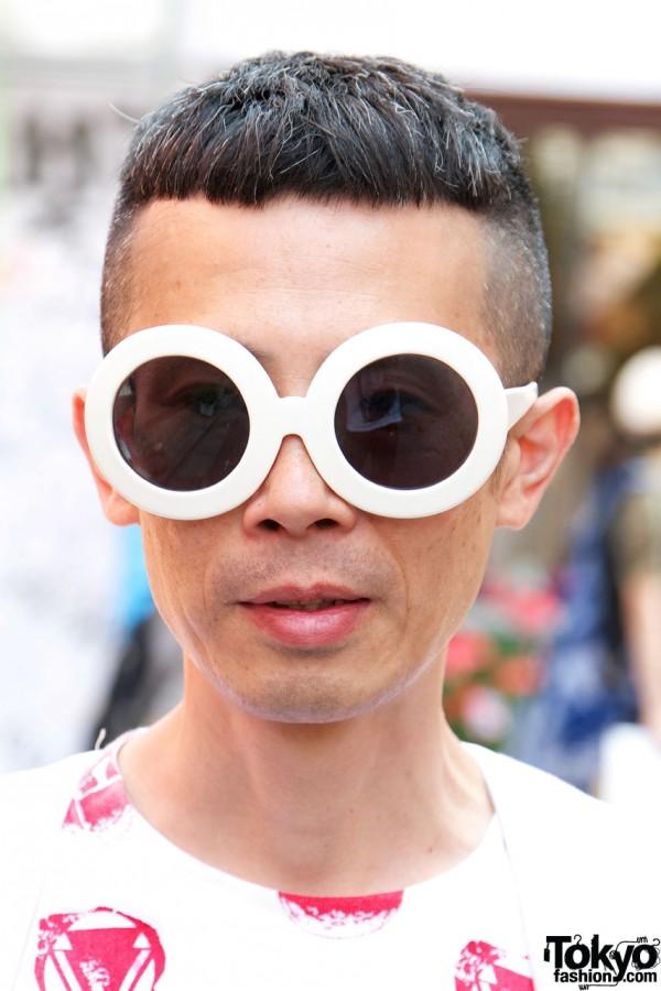 Large round sunglasses in Harajuku
