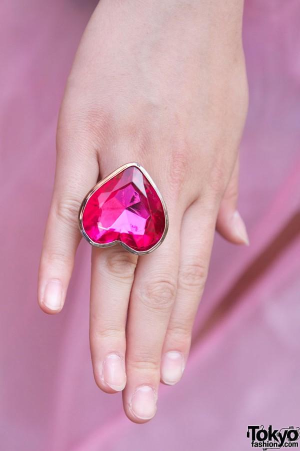 Large heart ring from 6%DokiDoki