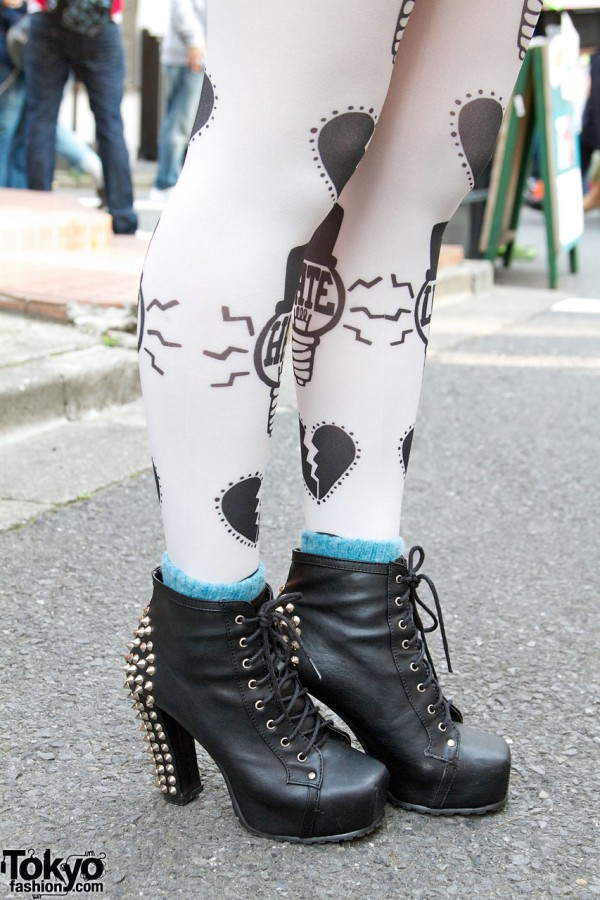Graphic tights & studded boots from Style Nanda