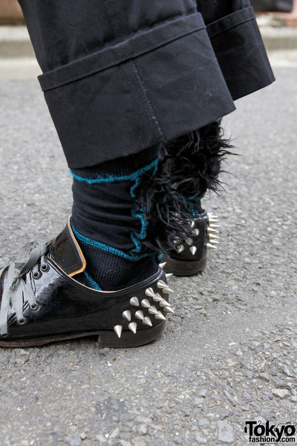 The Old Curiosity Shop shoes w/ spikes & furry socks