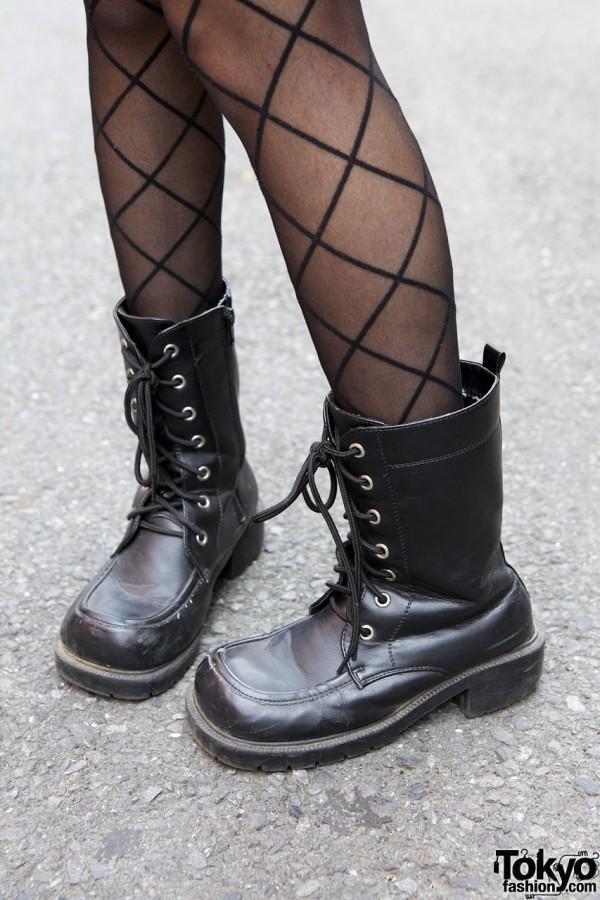 Window pane stockings & work boots