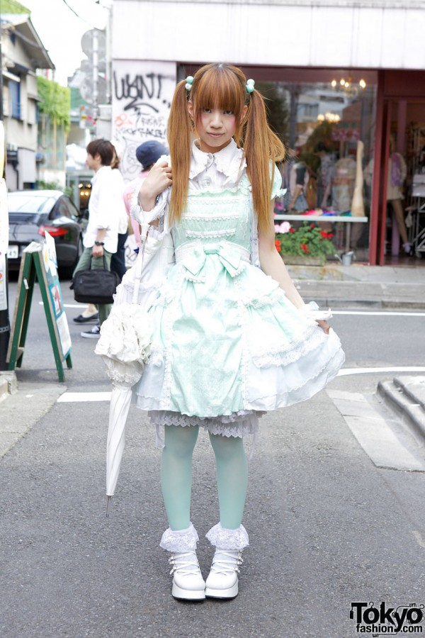 Mint Lolita w/ h.NAOTO Frill Dress & Angel Wings Backpack in Harajuku