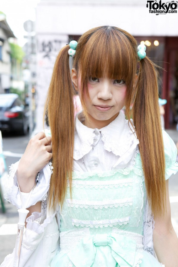 Japanese Lolita's Cute Twintail Hairstyle