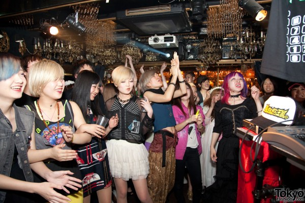 Itazura Tokyo Fashion Party (49)