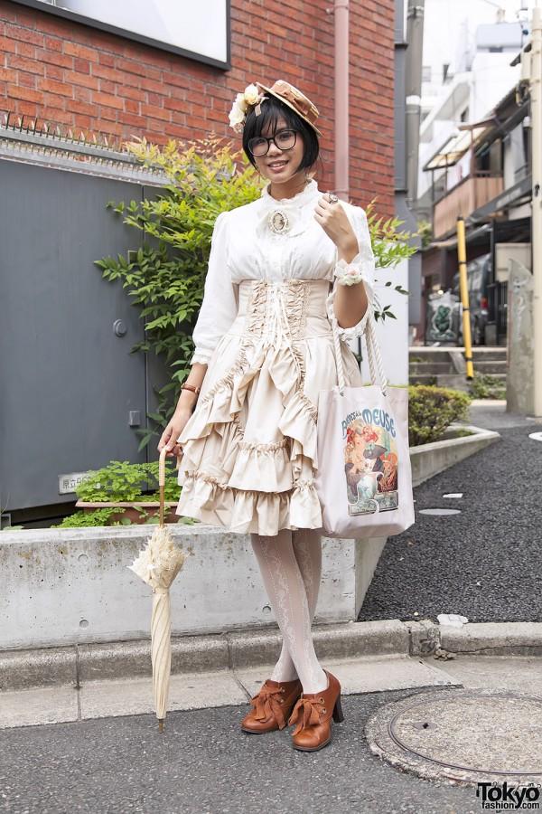 Harajuku Fashion Walk Street Snaps 11 (40)