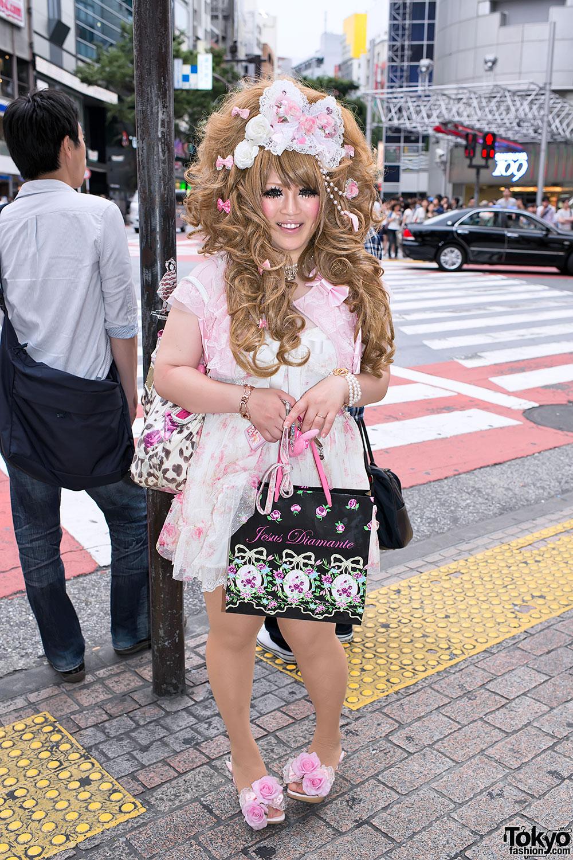 Japanese Hime Gyaru in Shibuya