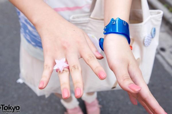 Plastic star ring & blue cat bracelet
