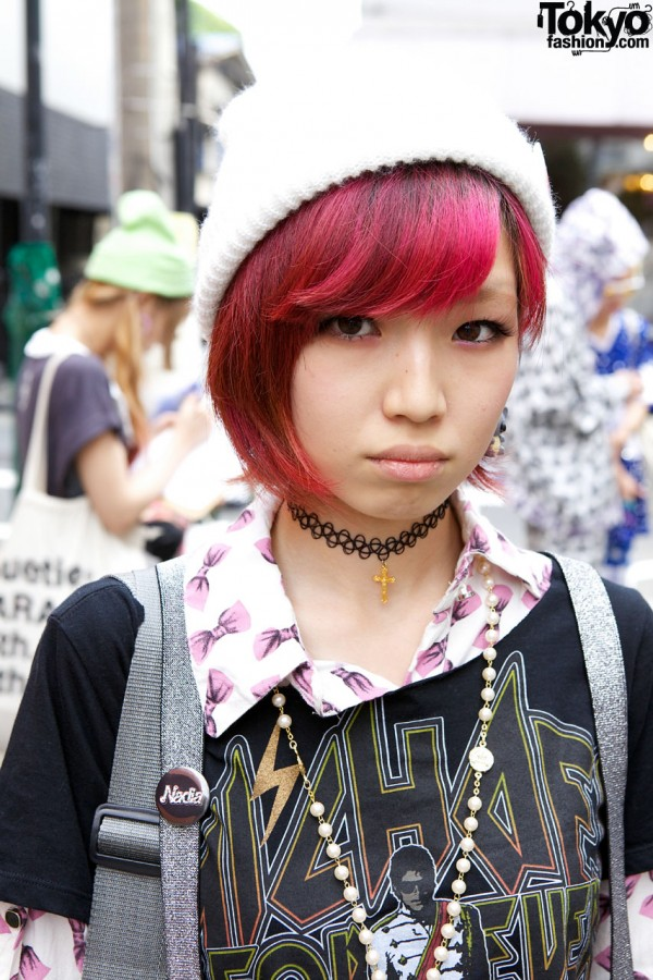 Girl's fuchsia hair & tattoo choker