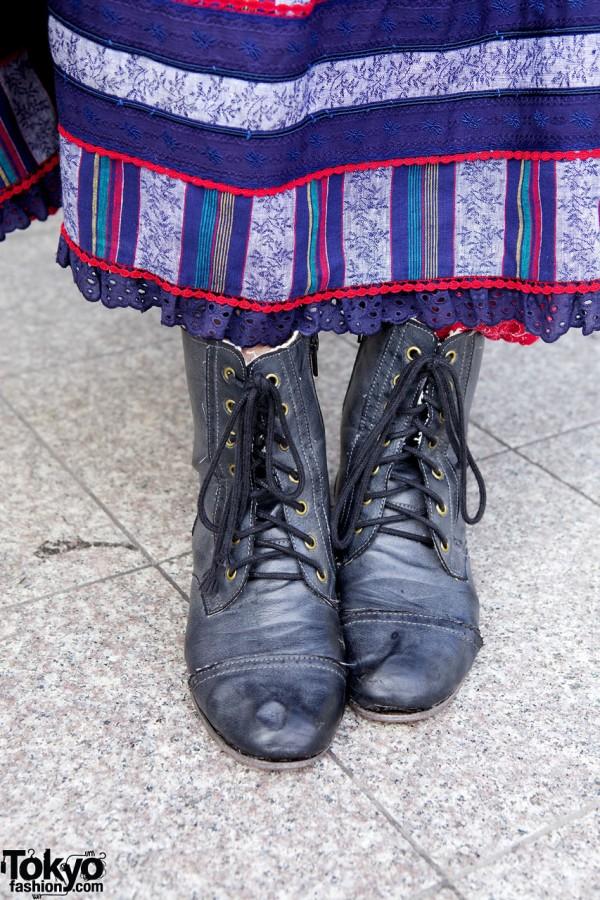 En-code vintage style laceup boots