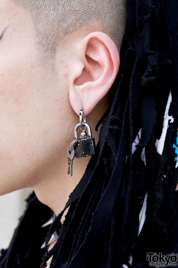 Skull Lock Earring