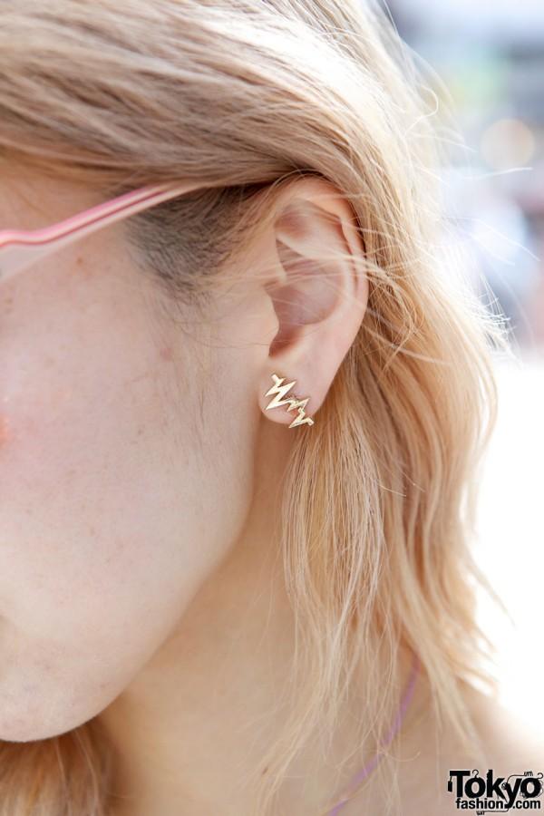 Geometric gold earring