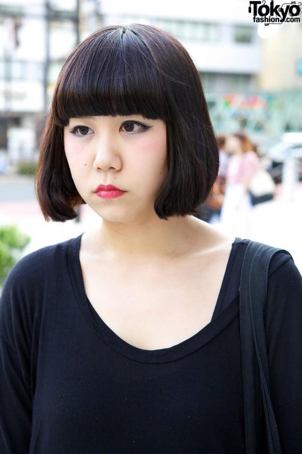 Harajuku girl's bob hairdo