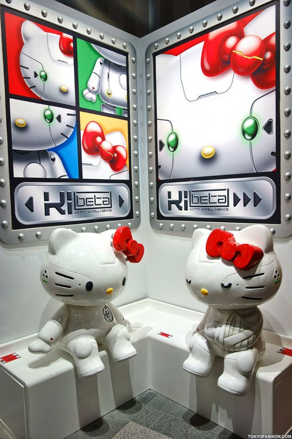 """Hello Kitty """"Kittyrobot"""" Exhibition in Tokyo – 150+ Kawaii Kitty Pictures!"""