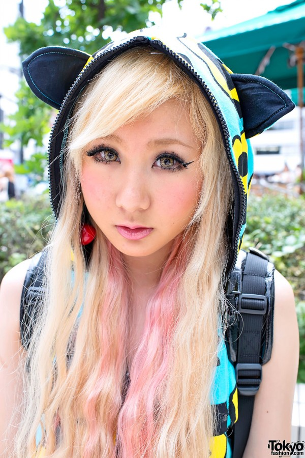 JSG hoodie & pink-blonde hair