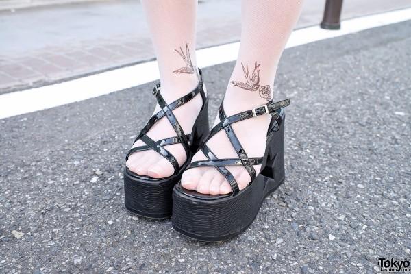 Platform Wedges & Tattoo Tights