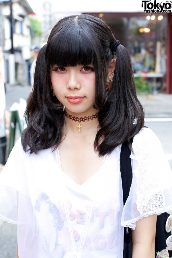 Harajuku girl w/ twin ponytails & tattoo choker