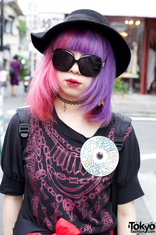 Harajuku girl w/ floppy hat and purple / pink hair