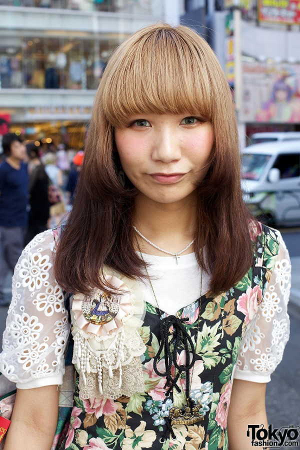 Harajuku girl w/ ombre hair