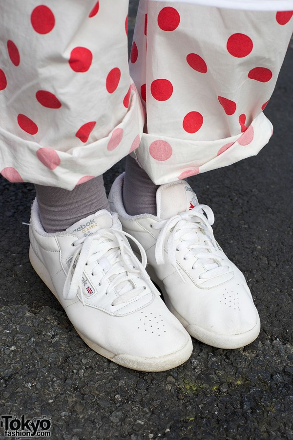 Pajama pants & white sneakers
