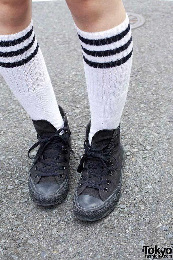 Tall athletic socks & hightop sneakers