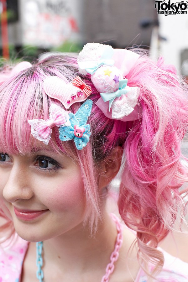 Yukapon's Decora Hair Bows in Harajuku