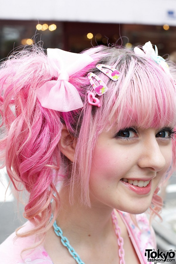 Yukapon's Pink Hair in Harajuku