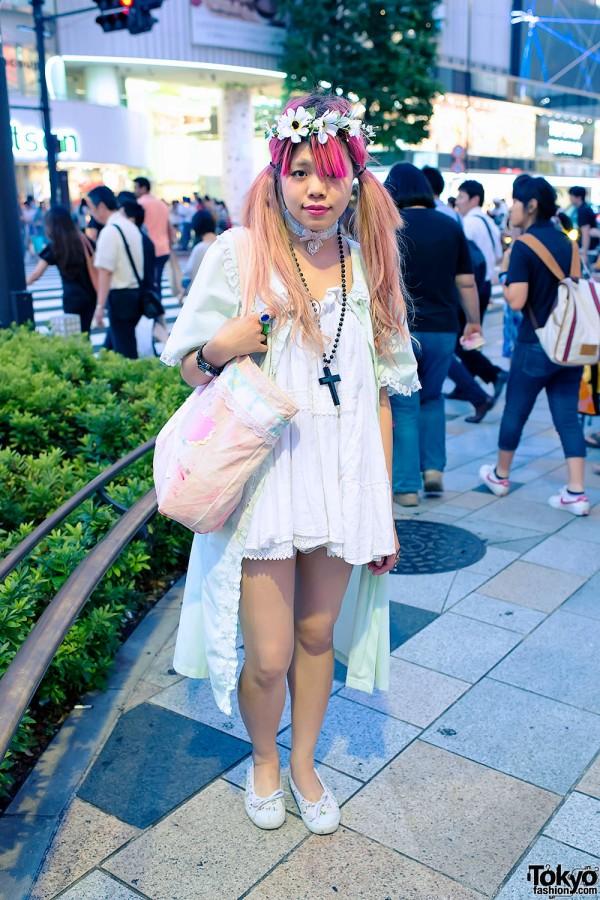 Pink Twintail Hairstyle, Flower Headband & Pastel Bag in Harajuku
