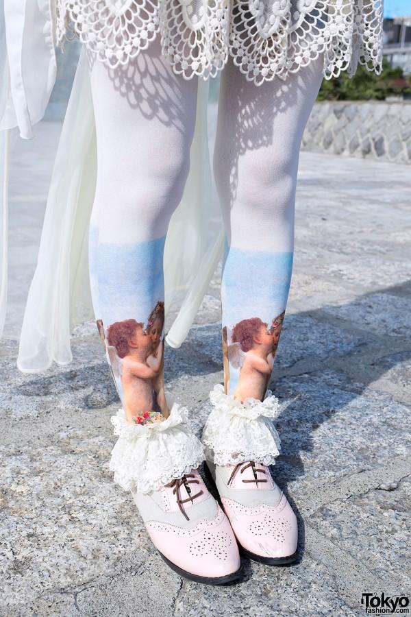 Cherub-Print Tights & Lace Ruffle Socks