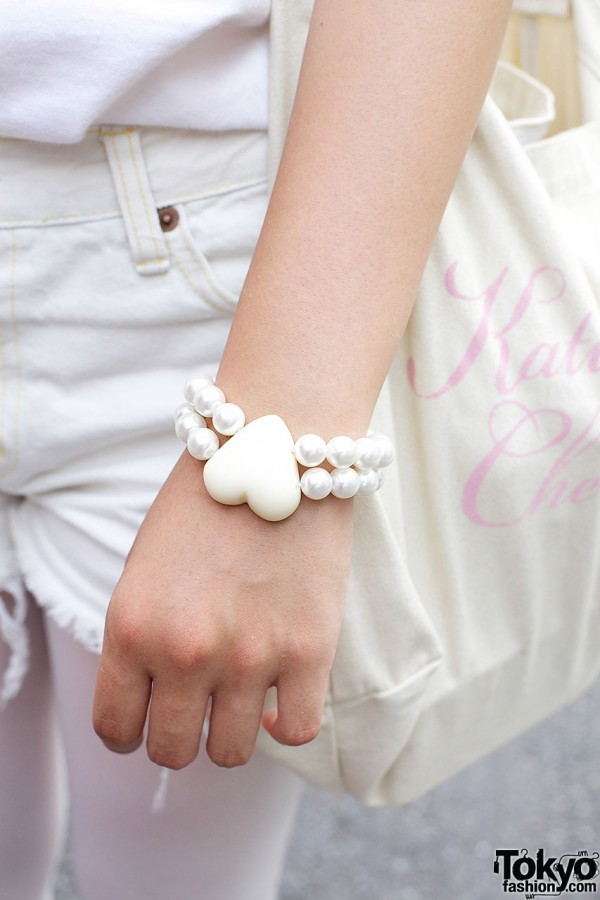 Monomania plastic heart bracelet in Harajuku