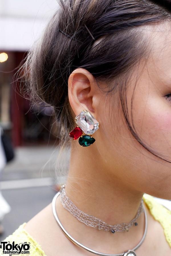 Jewel tone rhinestone earring