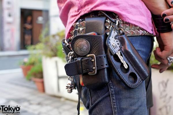 Modern Pirates mobile phone holster